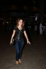 Suzanne Khan Spotted At Airport on 21st Nov 2017 (6)_5a1522ad22493.JPG