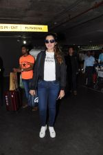 Tina Ahuja Spotted At Airport on 22nd Nov 2017 (20)_5a15356d909d3.JPG