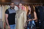 Aashka Goradia, Brent Goble at the Designer Duo Pawan & Pranav designs Wedding Outfit for Brent Goble on 22nd Nov 2017 (13)_5a16538a70cd7.JPG
