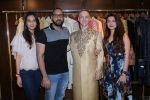 Aashka Goradia, Brent Goble at the Designer Duo Pawan & Pranav designs Wedding Outfit for Brent Goble on 22nd Nov 2017 (18)_5a16538ccdbfc.JPG