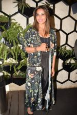 Bipasha Basu at Karan Singh Grover Live Performing Gig in Arth Bandra on 25th Nov 2017 (12)_5a1bad0c5860c.JPG