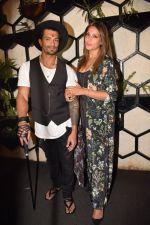 Bipasha Basu at Karan Singh Grover Live Performing Gig in Arth Bandra on 25th Nov 2017 (5)_5a1bad0958a89.JPG