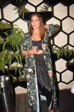 Bipasha Basu at Karan Singh Grover Live Performing Gig in Arth Bandra on 25th Nov 2017 (9)_5a1bad0a79144.JPG