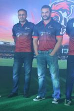 Sohail Khan, Virender Sehwag at the Launch Of Maratha Arabians Team Jersey & Set For A Fresh Battle Ground In Arabian Land on 30th Nov 2017 (11)_5a2011c1550e0.JPG