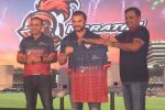 Sohail Khan, Virender Sehwag at the Launch Of Maratha Arabians Team Jersey & Set For A Fresh Battle Ground In Arabian Land on 30th Nov 2017 (25)_5a2011c578952.JPG