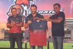 Sohail Khan, Virender Sehwag at the Launch Of Maratha Arabians Team Jersey & Set For A Fresh Battle Ground In Arabian Land on 30th Nov 2017 (26)_5a2011c6403b4.JPG
