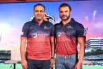 Sohail Khan, Virender Sehwag at the Launch Of Maratha Arabians Team Jersey & Set For A Fresh Battle Ground In Arabian Land on 30th Nov 2017 (62)_5a20119594651.JPG