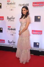 Alia Bhatt at the Red Carpet Of Filmfare Glamour & Style Awards on 1st Dec 2017