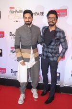 Aparshakti Khurrana , Ayushmann Khurrana at the Red Carpet Of Filmfare Glamour & Style Awards on 1st Dec 2017 (174)_5a22474fe9fd5.JPG