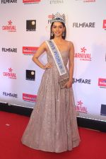 Manushi Chillar at the Red Carpet Of Filmfare Glamour & Style Awards on 1st Dec 2017 (98)_5a224876d853c.JPG
