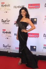Saiyami Kher at the Red Carpet Of Filmfare Glamour & Style Awards on 1st Dec 2017 (89)_5a224a3a17b30.JPG
