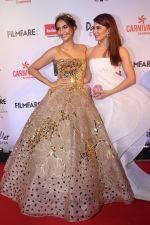Sonam Kapoor, Jacqueline Fernandez at the Red Carpet Of Filmfare Glamour & Style Awards on 1st Dec 2017