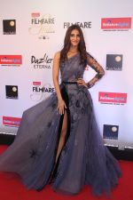 Vaani Kapoor at the Red Carpet Of Filmfare Glamour & Style Awards on 1st Dec 2017 (108)_5a224afd0348c.JPG