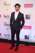 Varun Dhawan at the Red Carpet Of Filmfare Glamour & Style Awards on 1st Dec 2017