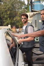 Hrithik Roshan spotted with sons at pvr juhu on 3rd Dec 2017 (10)_5a24efaecc3b9.JPG