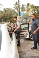 Hrithik Roshan spotted with sons at pvr juhu on 3rd Dec 2017 (8)_5a24efada7047.JPG