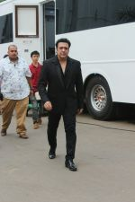 Govinda On the Sets Of Super Dancer - Chapter 2 on 4th Dec 2017 (10)_5a26326a294d6.JPG