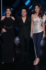 Govinda, Raveena Tandon On the Sets Of Super Dancer - Chapter 2 on 4th Dec 2017 (1)_5a26326ebe984.JPG