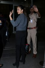Mira Rajput Spotted At Airport on 4th Dec 2017 (15)_5a2630df736af.JPG