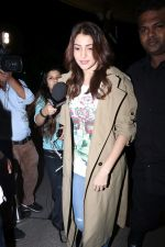 Anushka Sharma spotted At Airport on 7th Dec 2017 (17)_5a2a3bbee42c0.JPG