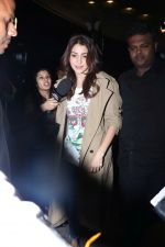 Anushka Sharma spotted At Airport on 7th Dec 2017 (20)_5a2a3bc0e9c00.JPG