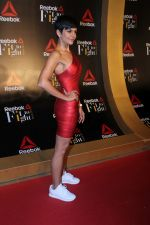 Mandira Bedi at Reebok celebrate women strength and spirit at at #fitToFightAwards 2.0 on 7th Dec 2017 (15)_5a2a37ed4f427.JPG