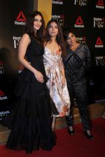 Vaani Kapoor, Bhumi Pednekar, RJ Malishka at Reebok celebrate women strength and spirit at at #fitToFightAwards 2.0 on 7th Dec 2017 (61)_5a2a387a6a664.JPG