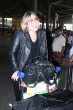 Mia Michaels Spotted At Airport on 8th Dec 2017 (12)_5a2be4c029e83.JPG