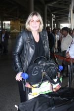 Mia Michaels Spotted At Airport on 8th Dec 2017 (14)_5a2be4c253962.JPG