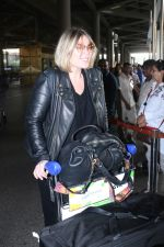 Mia Michaels Spotted At Airport on 8th Dec 2017 (15)_5a2be4c358fa5.JPG