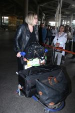 Mia Michaels Spotted At Airport on 8th Dec 2017 (16)_5a2be4c45f5a7.JPG