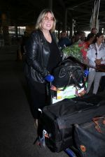 Mia Michaels Spotted At Airport on 8th Dec 2017 (25)_5a2be4cc89670.JPG