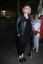 Mia Michaels Spotted At Airport on 8th Dec 2017 (29)_5a2be4d20dda7.JPG