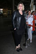 Mia Michaels Spotted At Airport on 8th Dec 2017 (31)_5a2be4d448f18.JPG