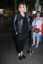 Mia Michaels Spotted At Airport on 8th Dec 2017 (39)_5a2be4df525d3.JPG