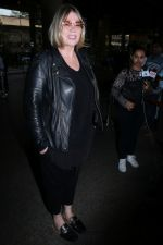 Mia Michaels Spotted At Airport on 8th Dec 2017 (42)_5a2be4e56f853.JPG