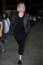Mia Michaels Spotted At Airport on 8th Dec 2017 (44)_5a2be4e7be6f7.JPG