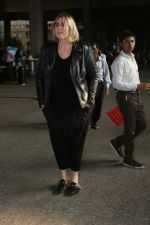 Mia Michaels Spotted At Airport on 8th Dec 2017 (46)_5a2be4ea23617.JPG
