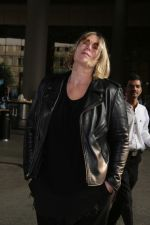 Mia Michaels Spotted At Airport on 8th Dec 2017 (47)_5a2be4eae950d.JPG