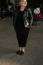Mia Michaels Spotted At Airport on 8th Dec 2017 (50)_5a2be4ee18b55.JPG