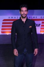 Angad Bedi at the Red Carpet Of The Screening Of Amazon Original The Grand Tour Hosted By Anil Kapoor on 10th Dec 2017 (106)_5a2dfe93a168d.JPG