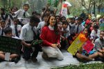 Juhi Chawla Support Plastic free Cuffe Parade Campaign on 10th Dec 2017 (20)_5a2e05c532507.JPG