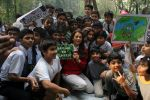 Juhi Chawla Support Plastic free Cuffe Parade Campaign on 10th Dec 2017 (27)_5a2e05c99f835.JPG