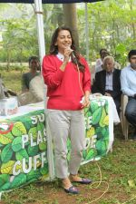 Juhi Chawla Support Plastic free Cuffe Parade Campaign on 10th Dec 2017 (47)_5a2e05d4d9244.JPG