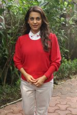 Juhi Chawla Support Plastic free Cuffe Parade Campaign on 10th Dec 2017 (63)_5a2e05e302f3b.JPG