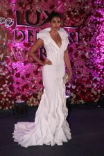 Pooja Hegde at the Red Carpet Of Lux Golden Rose Awards 2017 on 10th Dec 2017 (89)_5a2e0f1570d21.JPG