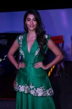 Pooja Hegde at the Red Carpet Of The Screening Of Amazon Original The Grand Tour Hosted By Anil Kapoor on 10th Dec 2017 (124)_5a2dffa315b86.JPG