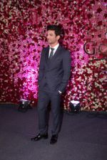 Sushant Singh Rajput at the Red Carpet Of Lux Golden Rose Awards 2017 on 10th Dec 2017 (88)_5a2e0f3b8e642.JPG