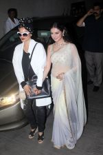 Rekha, Divya Khosla Kumar at the Special Screening Of Short Film Bulbul on 11th Dec 2017 (54)_5a2f6c23de797.JPG