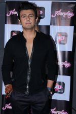 Sonu Nigam at the Celebration Of Pre Launch Of The Altbalaji_s Next Web Show Four Play on 11th Dec 2017  (36)_5a2f6d0e9820e.JPG